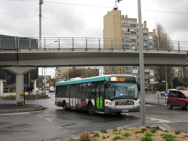 Paris, Scania OmniCity CN 230 UB4x2EB # 9421
