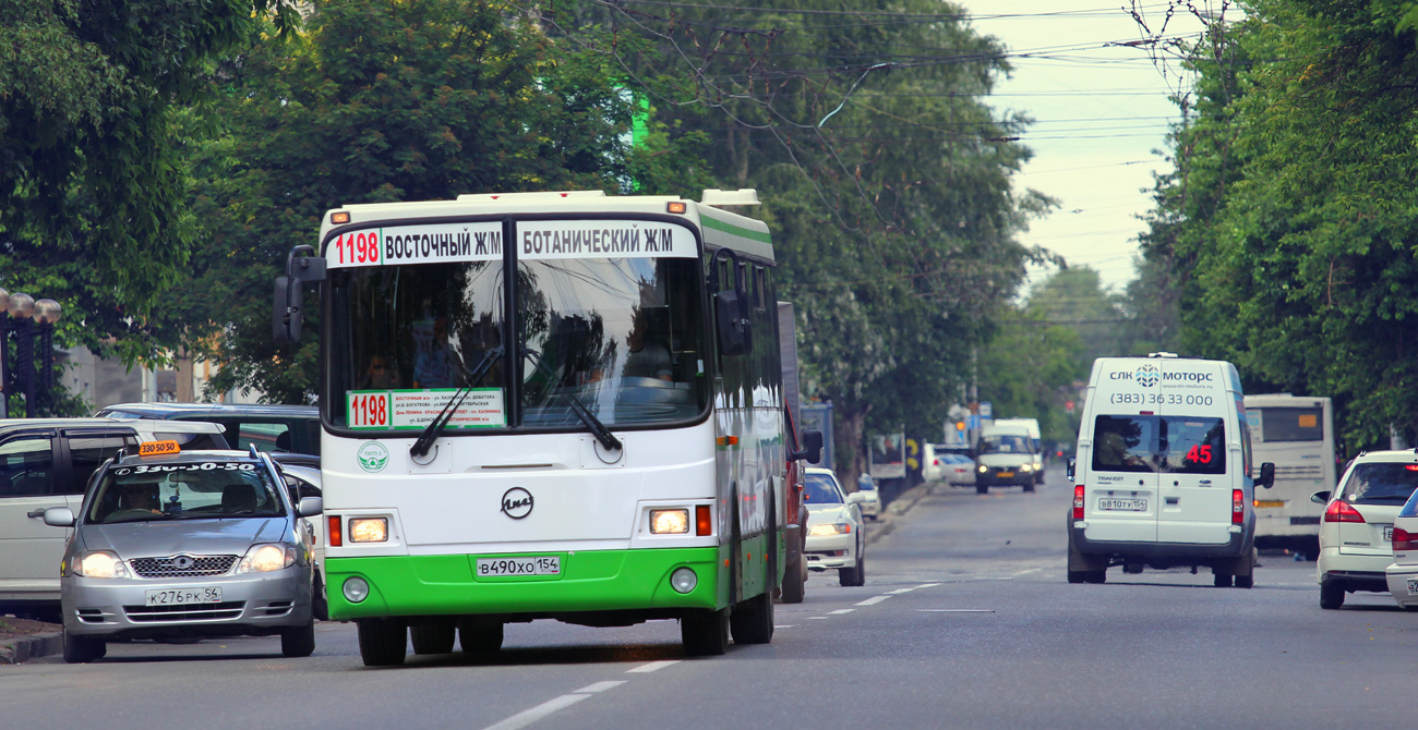 Novosibirsk, LiAZ-5256.36 # В 490 ХО 154