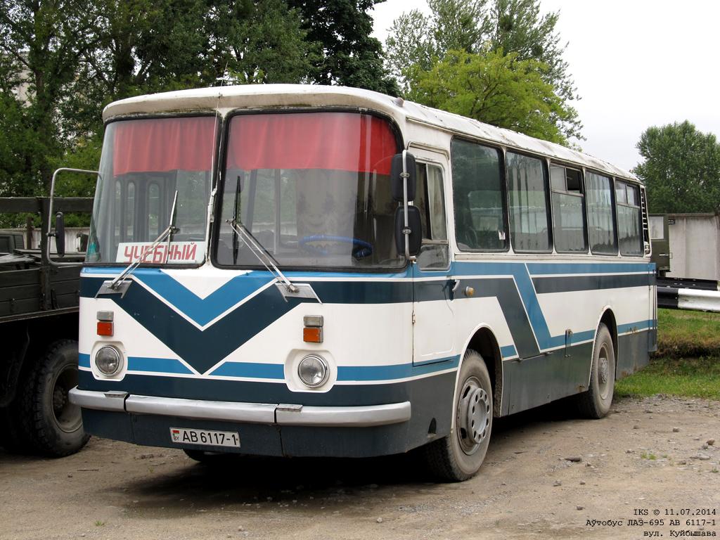 Baranovichi, LAZ-695Н # АВ 6117-1